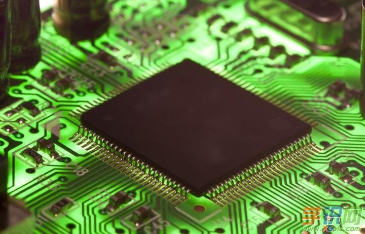 "temperature】即CPU的温度!   不同品牌进BIOS   不同的bios有不同的进入方法,通常会在开机画面有提示。按bios品牌: Award bios:按""Del""键,AMI bios:按""Del""或""esc""键,Phoenix bios:按""F2""键   其它牌品进入bios设置方法:   ibm(冷开机按f1,部分新型号可以在重新启动时启动按f1)   hp(启动和重新启动时按f2)   so"
