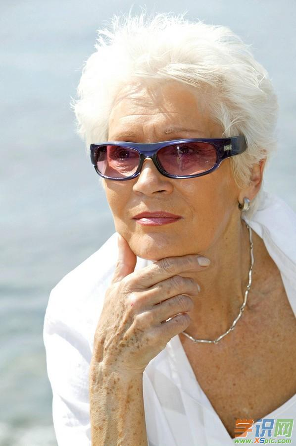 白发动漫少女图片_老年白发女人发型设计图片