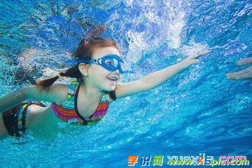 学游泳的小作文
