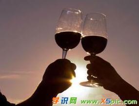 白兰地酒杯容量是多少及选择方法