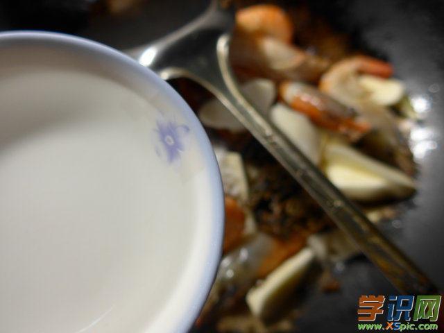 梅干菜茭白炒大头虾的做法