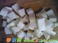白罗卜煮排骨汤的做法