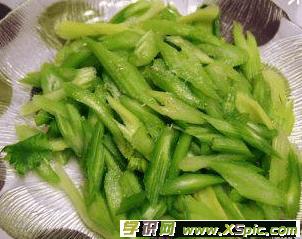 生拌芹菜的做法_生拌芹菜怎么做好吃