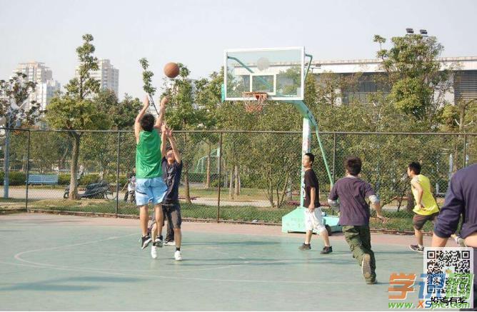 打篮球三步上篮步骤