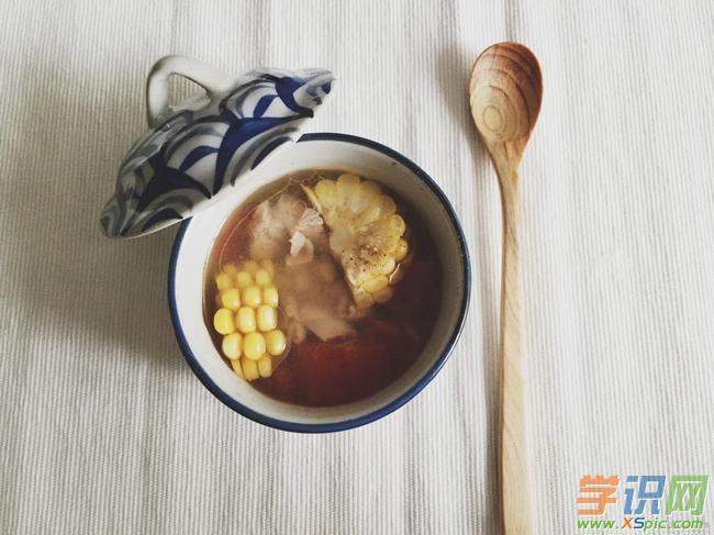 番茄玉米排骨汤的做法