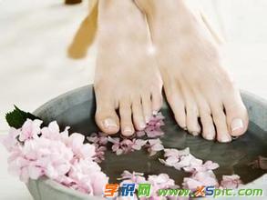 艾灸完脚底出汗什么原因