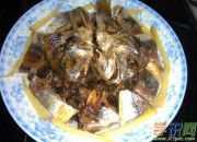 电饭锅咸鱼干蒸豆角的做法