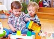 如何正确引导孩子收拾玩具?三个小方法让小孩帮玩具归位